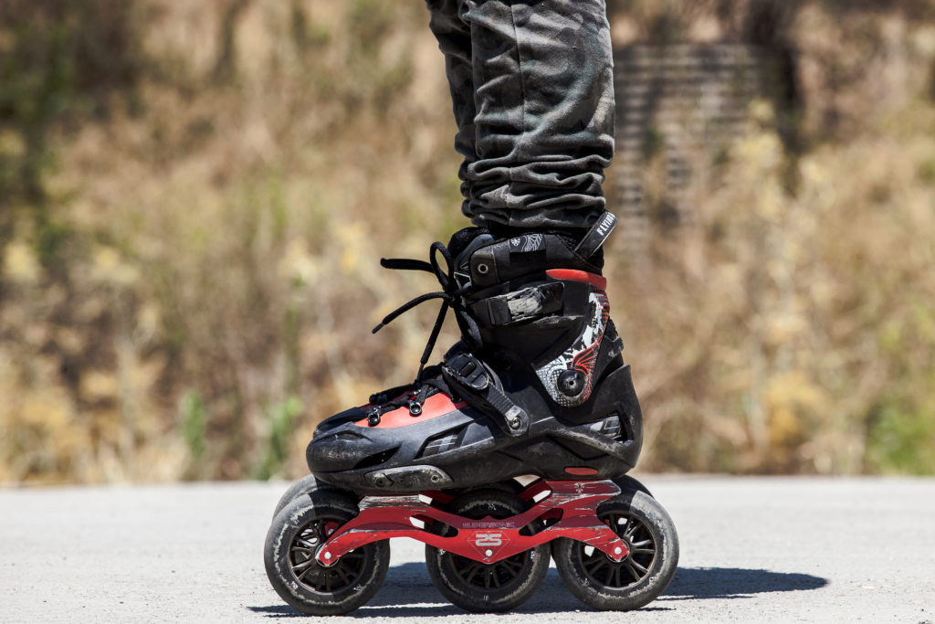 Side view of the Flying Eagle F110 skates. Photo by Jeff Linett