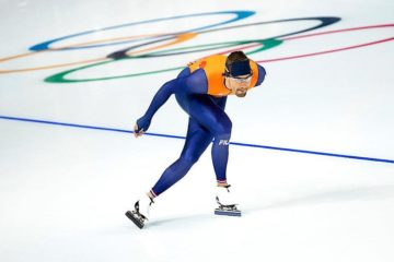 Kjeld Nuis Wins Gold in the 1,500 Meter Race at the 2018 Olympics in Pyeongchang